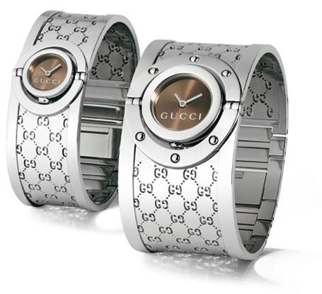 Часы для мужчины и женщины в одном стиле