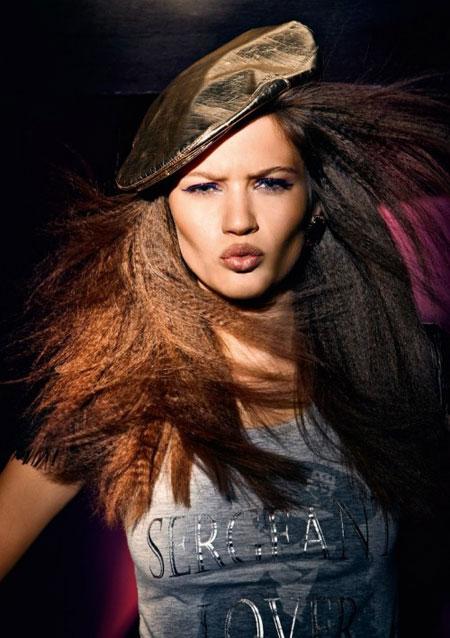 Модная женская кепка